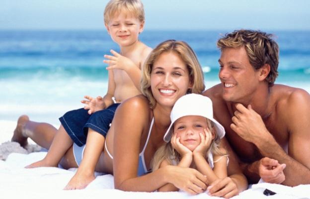 624-400-semejstvo-deca-roditeli-majka-bashta-familiia